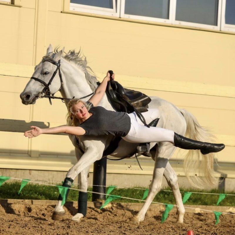 23 года в конном спорте. Секретами джигитовки делится Лидия Мосякова
